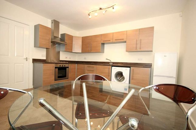 2 bed flat to rent in Bridge Road, Prescot