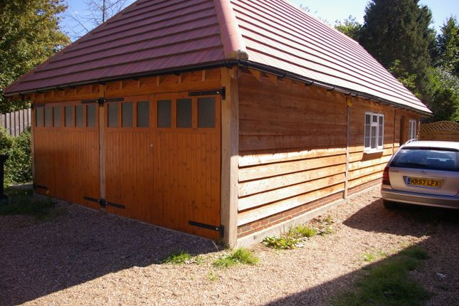 Thumbnail Office to let in Brook Willow Farm, Woodlands Rd, Leatherhead