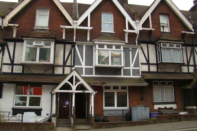 Thumbnail Flat to rent in London Road, Strood, Rochester