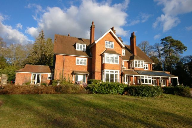 Thumbnail Flat to rent in Westwood Road, Windlesham