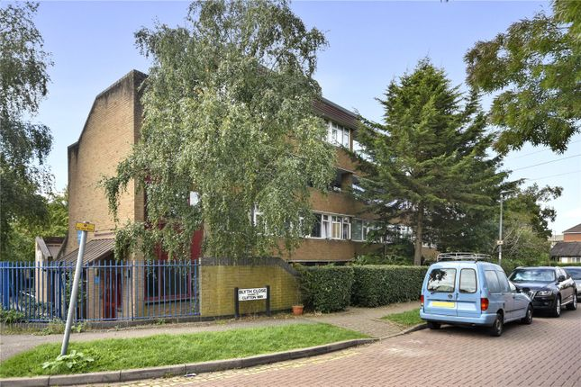 Picture No. 05 of Lamberton Court, Gateshead Road, Borehamwood, Hertfordshire WD6