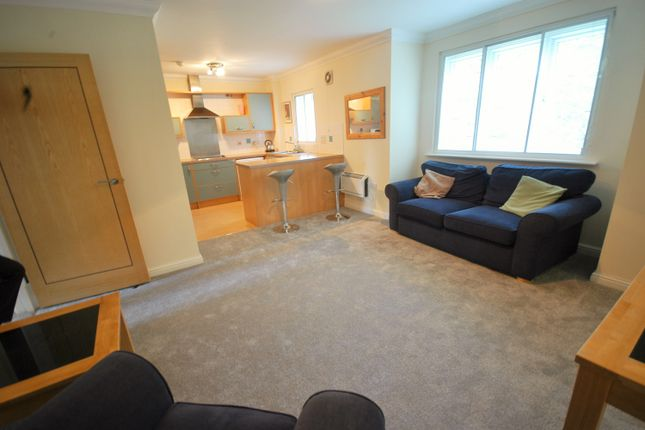 Thumbnail Flat to rent in Woodruff Way, Thornhill