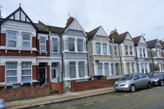 Thumbnail Flat to rent in Windsor Road, London