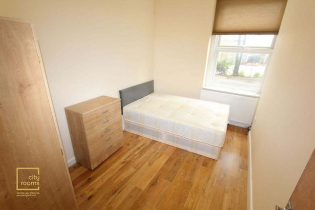 Room to rent in Kings Gardens, West Hampstead