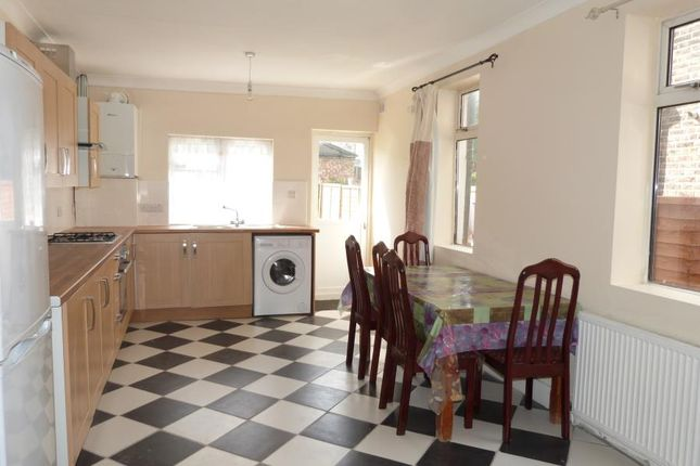 Thumbnail Property to rent in Arthur Road, London