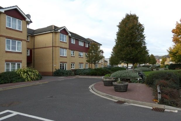 Flat to rent in The Fairways, Farlington, Portsmouth