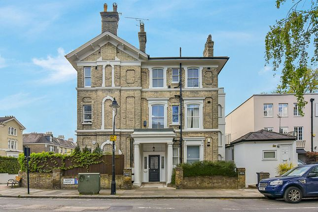 Thumbnail Flat for sale in North Grove, London