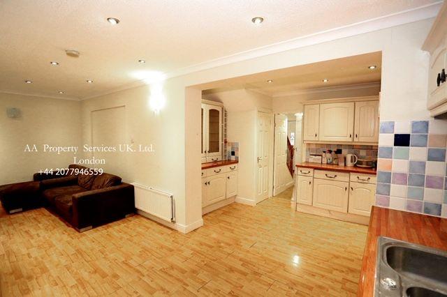 Thumbnail Shared accommodation to rent in Hunsdon Close, Stantonbury, Milton Keynes