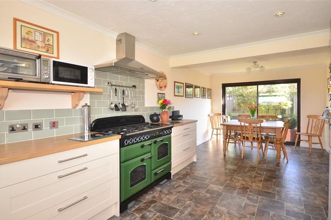 Thumbnail Detached house for sale in Stroud Wood Road, Havenstreet, Isle Of Wight