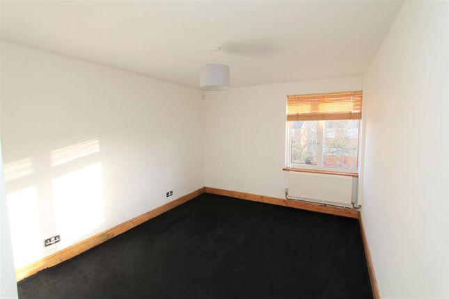 Bedroom of Wood Common, Hatfield AL10
