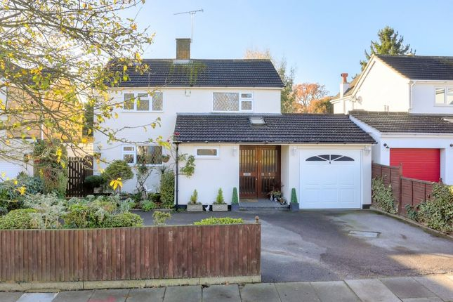 4 bed detached house for sale in Foxcroft, St.Albans