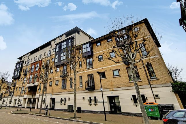 1 bed flat to rent in Bowes Lyon Hall, Wesley Avenue, London E16