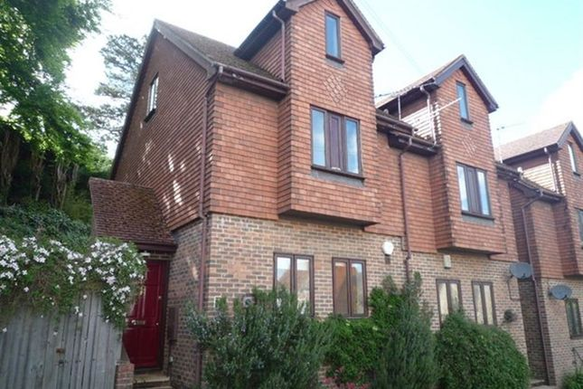 3 bed property to rent in St. Johns Hill, Sevenoaks