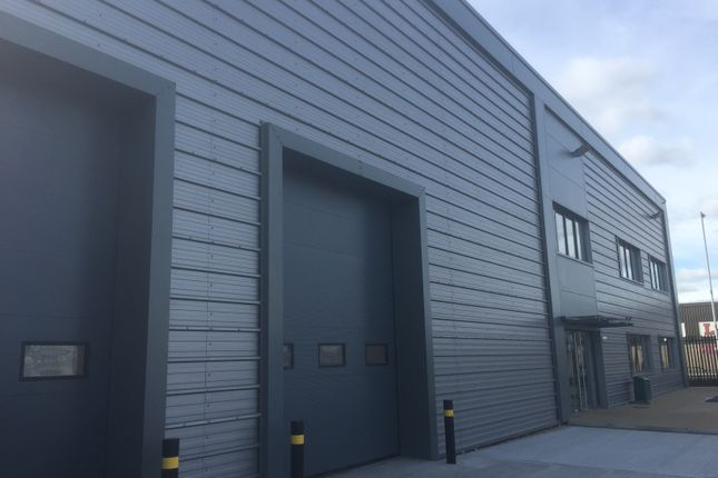 Thumbnail Industrial to let in Mowlem Trading Estate, London