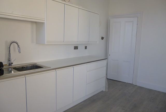 Thumbnail Flat to rent in Babbacombe Road, Torquay