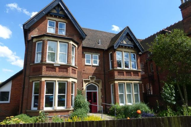 Flat to rent in Kimbolton Road, Bedford