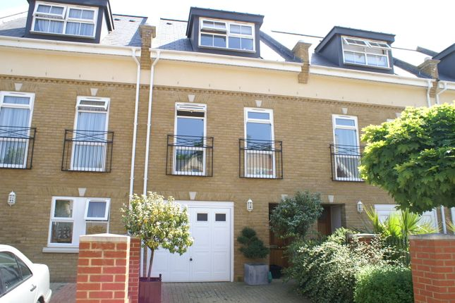 Thumbnail Town house to rent in Floyer Close, Richmond