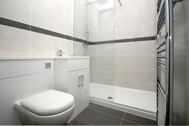 Thumbnail Flat for sale in Hitchin Road, Arlesey