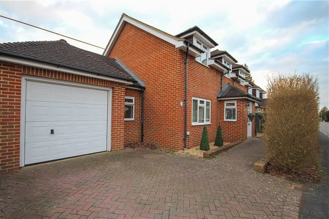3 bed detached house for sale in Gravel Road, Church Crookham, Fleet