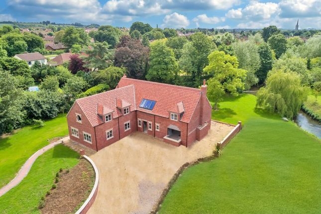 Thumbnail Detached house for sale in Waterside Drive, Grantham