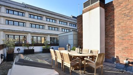 Thumbnail Flat to rent in Imperial House, London