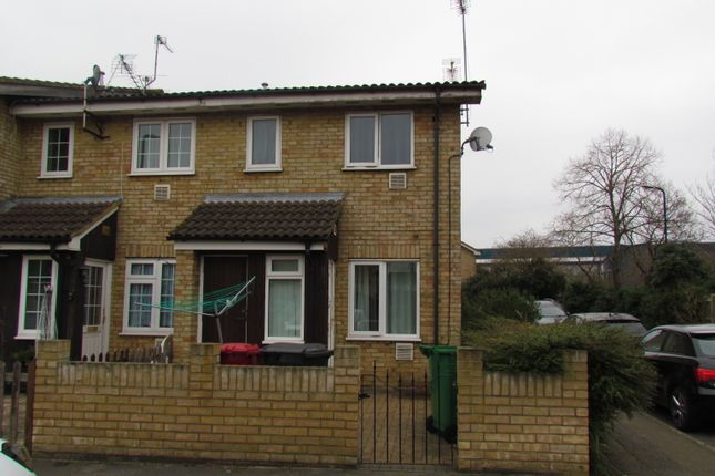 Terraced house to rent in The Hawthorn, Colonbrook