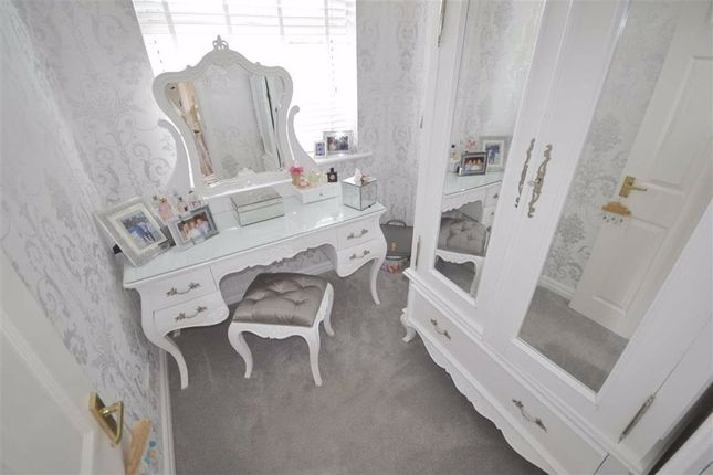 Bedroom of Haseley Close, Manchester M26