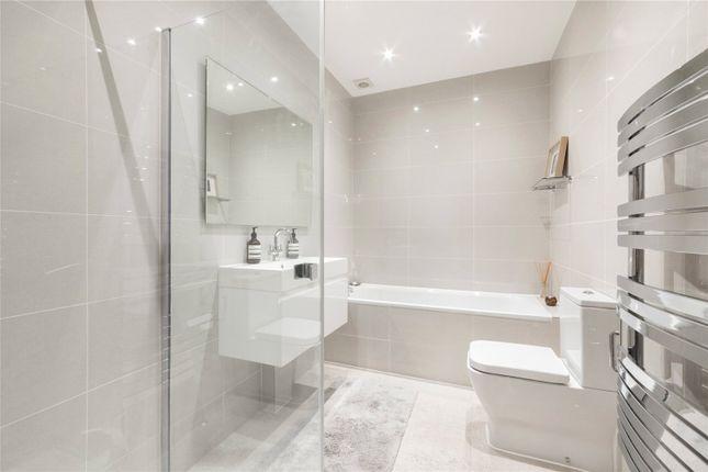 Bathroom of Randolph Crescent, Little Venice, London W9