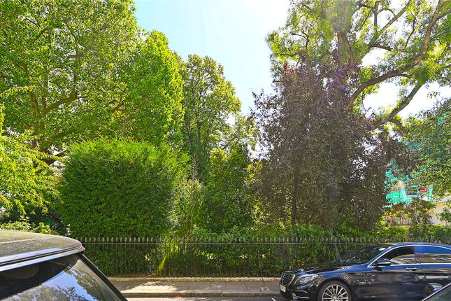 Picture No. 26 of Onslow Gardens, South Kensington, London SW7