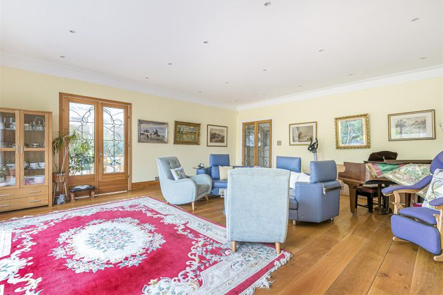 Thumbnail Property for sale in Grimsdyke Crescent, Barnet