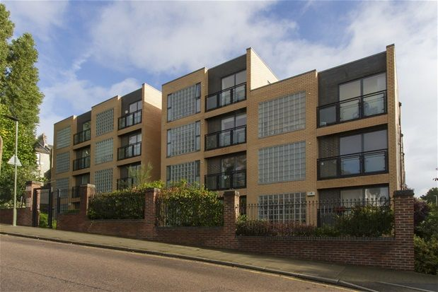 Thumbnail Flat to rent in Milestone Road, London