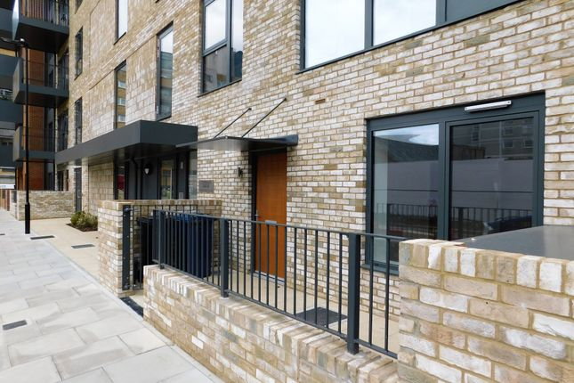 Thumbnail Maisonette to rent in Williams Road, West Ealing