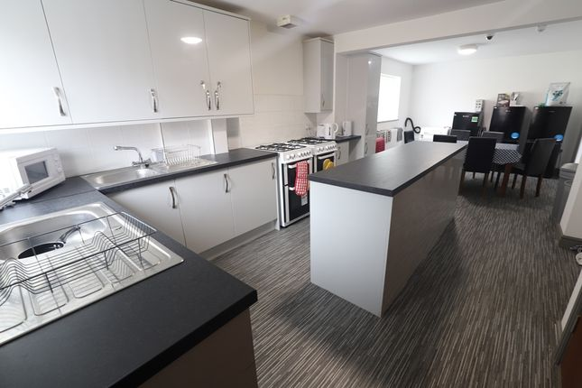 Thumbnail Shared accommodation to rent in London Road, Newcastle, Newcastle-Under-Lyme