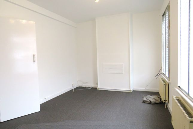 Thumbnail Flat to rent in New Heston Road, Heston, Hounslow