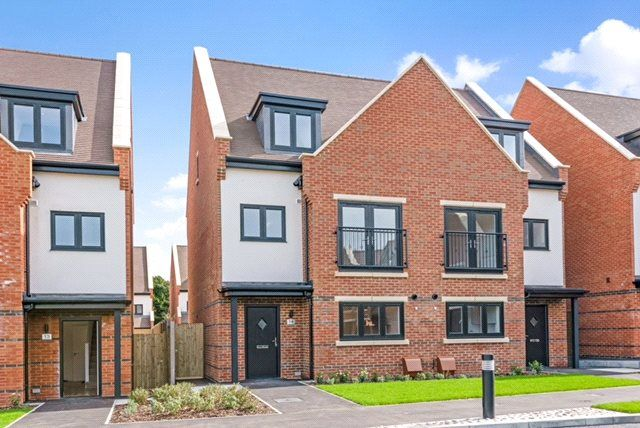 Thumbnail Semi-detached house for sale in Albertine Grove, West Wickham