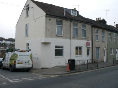 Thumbnail Flat to rent in Luton Road, Chatham