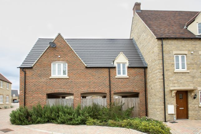 Thumbnail Flat to rent in Willowbank, Witney
