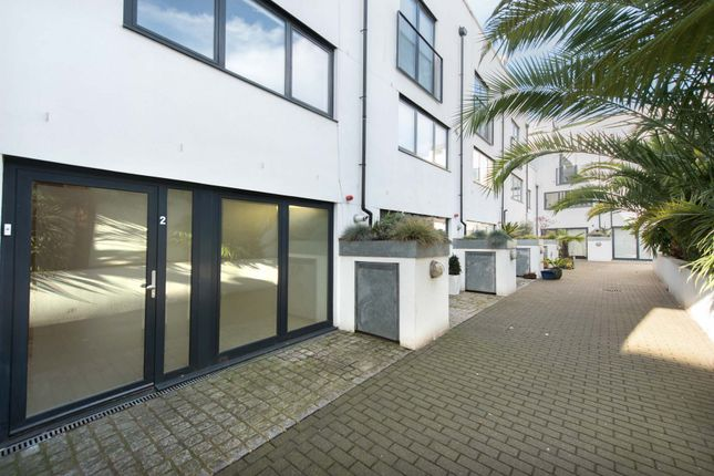 Thumbnail Mews house to rent in Coopers Yard, London
