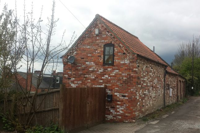 2 bed cottage to rent in Victoria Passage, Lincoln