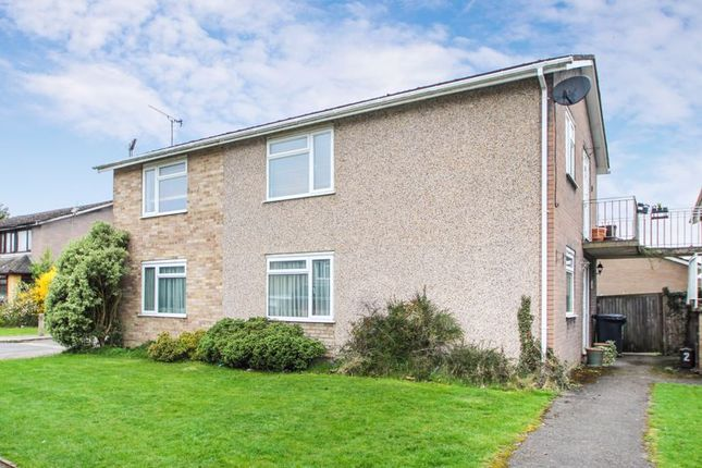 Thumbnail Flat to rent in Hawthorn Crescent, Hazlemere, High Wycombe