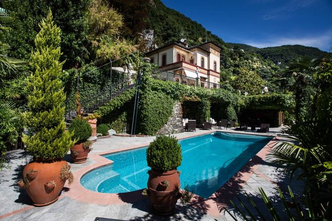 Thumbnail Town house for sale in Via Besana, 22010 Moltrasio Co, Italy