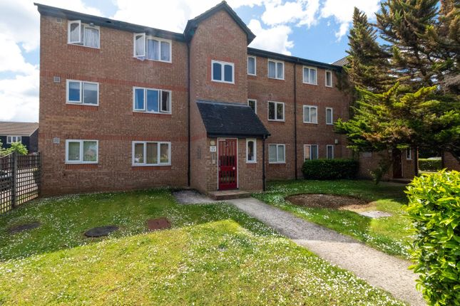 Thumbnail Flat to rent in Wedgewood Road, Hitchin