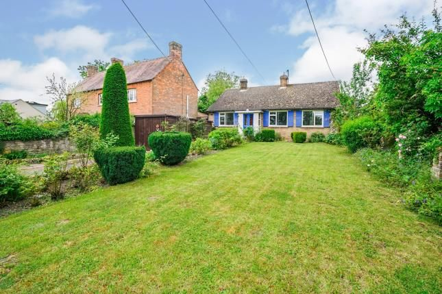 Thumbnail Bungalow for sale in Lower End, Piddington, Bicester, Oxfordshire