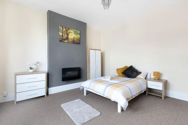 Thumbnail Terraced house to rent in Burton Road, Littleover, Derby