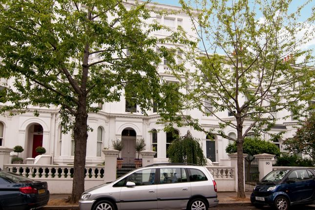Thumbnail Flat to rent in Palace Gardens Terrace, London
