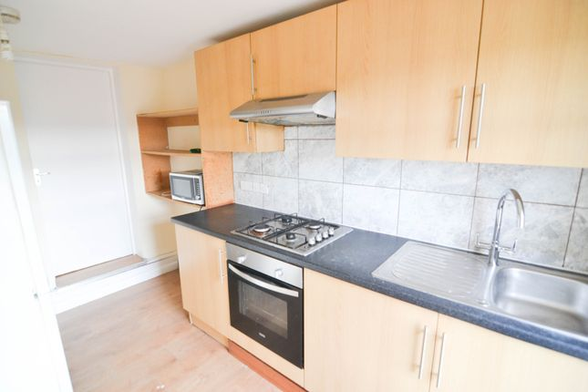 Thumbnail Maisonette to rent in Bath Road, Hounslow