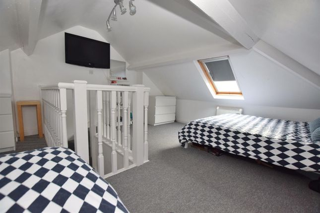 Attic Room of Mostyn Avenue, Littleover, Derby DE23