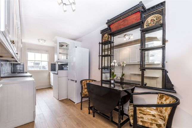 Kitchen of Randolph Avenue, Little Venice, London W9