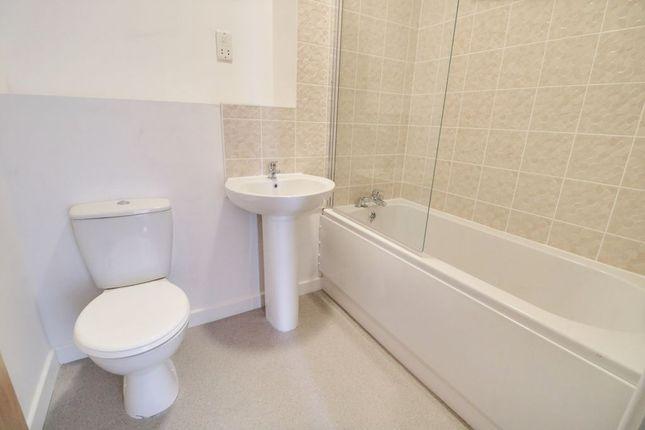 Bathroom 1 of Victoria Avenue, Southend-On-Sea SS2