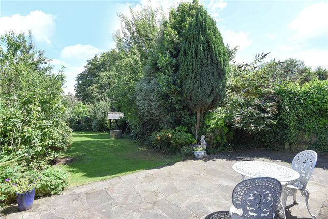 Picture No. 33 of Hallowell Road, Northwood, Middlesex HA6